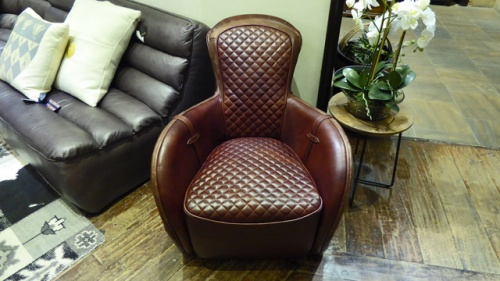 Leather-armchair-03.jpg
